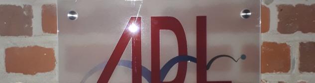 Nouvelle signalétique pour les bureaux de l'ADL Awans